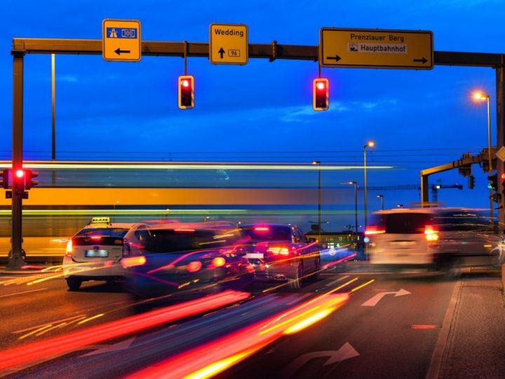 Berlin instalira pametnu prometnu tehnologiju na raskrižjima
