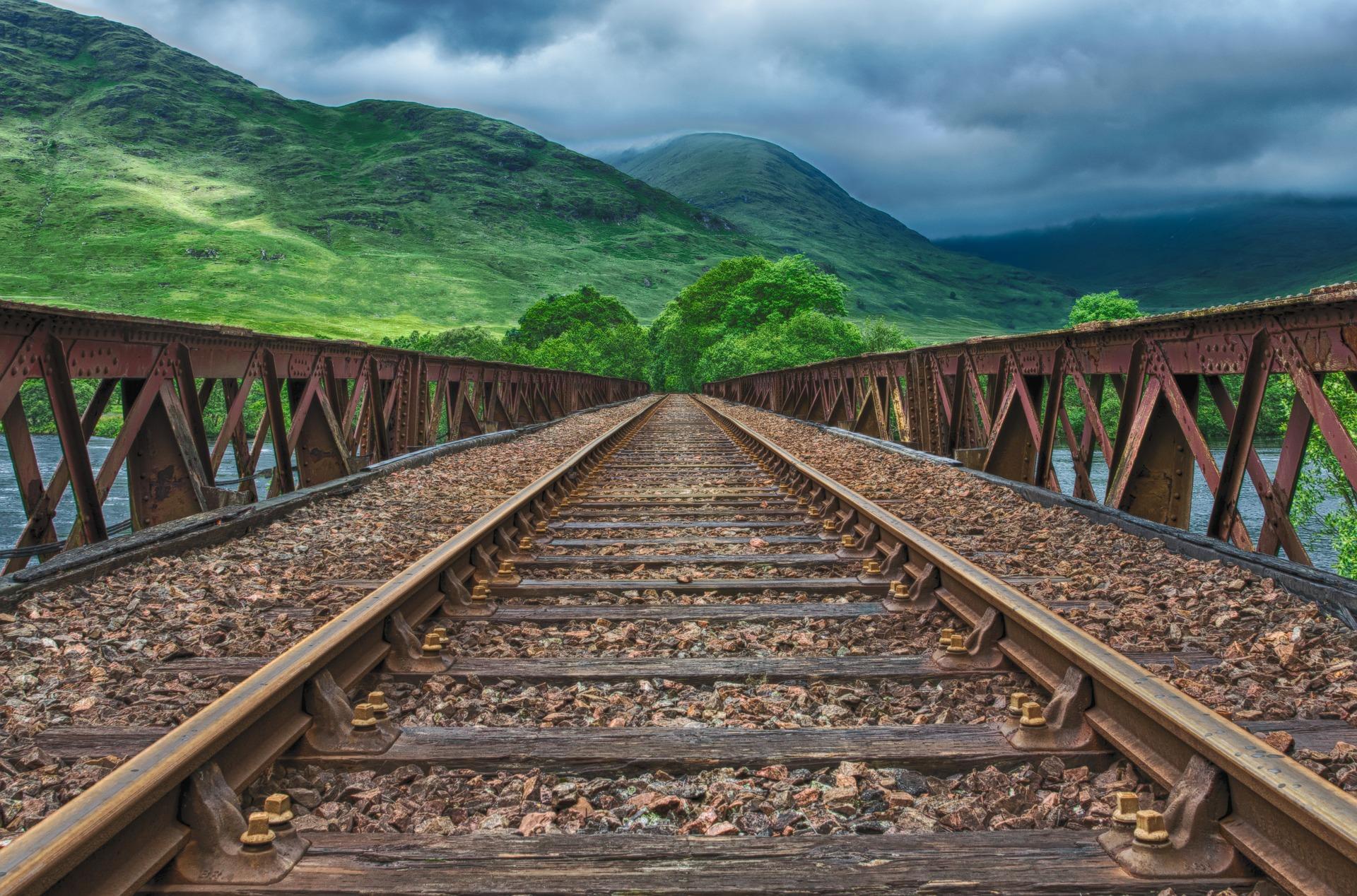 """Ruski """"lebdeći"""" vlak"""