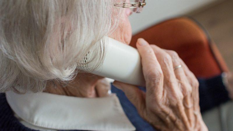 Beč je uveo telefonsku liniju za usamljene osobe
