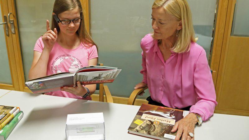 Nova tehnologija slijepim i slabovidnim osobama omogućuje čitanje u bečkim knjižnicama