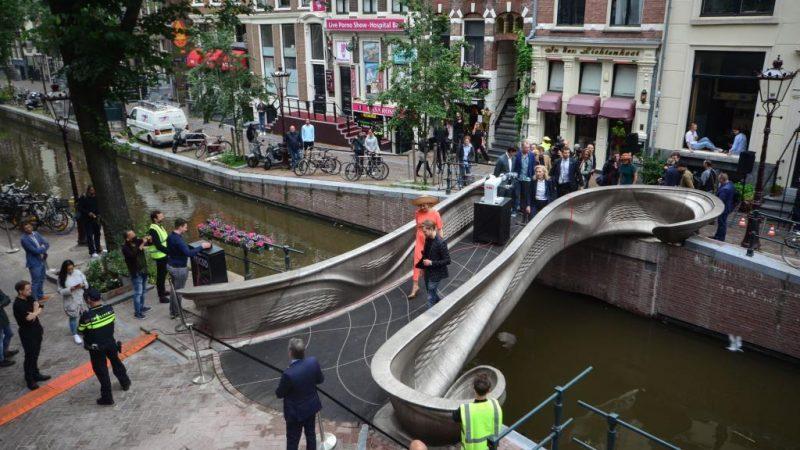 U Amsterdamu je otvoren prvi svjetski čelični most otisnut 3D-om