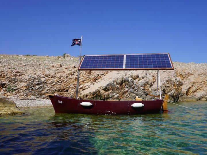 Bivši inženjer Mate Rimca izradio solarnu električnu barku